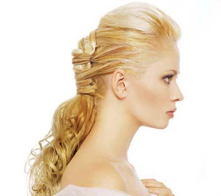 булчинска прическа с полуспусната коса