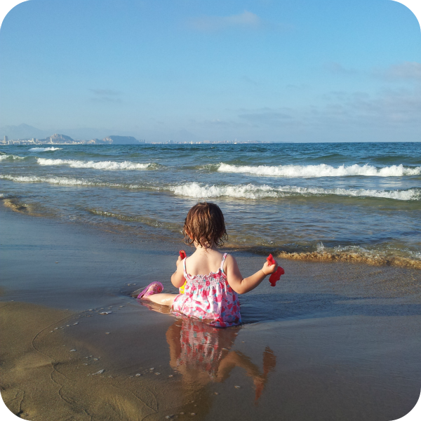 Paula en la playa