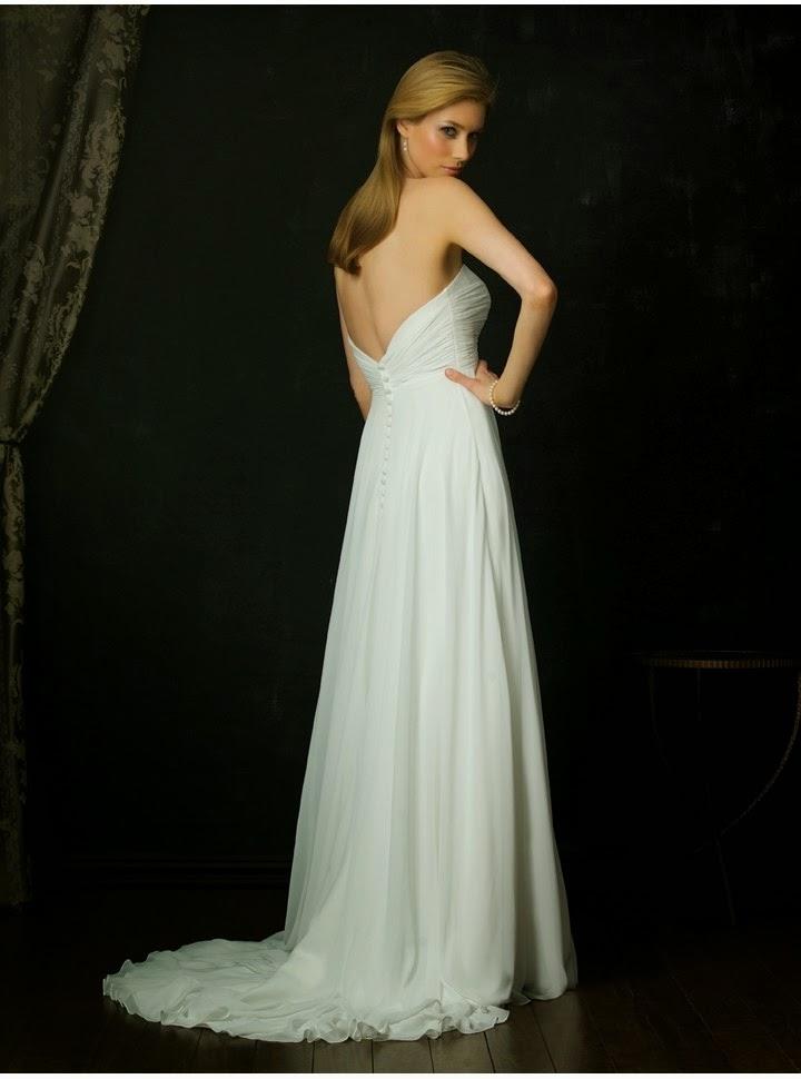 Vestido de Novia Strapless, Corte Imperio, Escote Corazon con Aplicacion Plateada de Flores en el Pecho