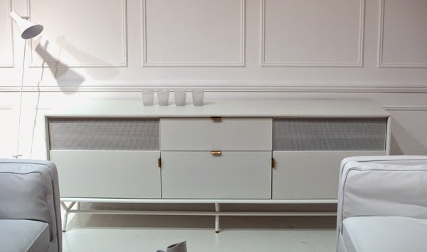 All_White_Interiour_SideBoard
