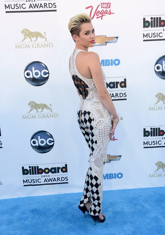 Miley Cyrus at 2013 Billboard Music Awards