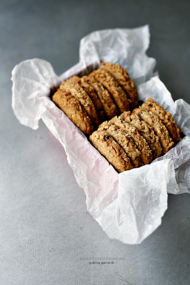 Conosciuto Biscotti ai cereali con mandorle e cioccolato | PANEDOLCEALCIOCCOLATO QZ65