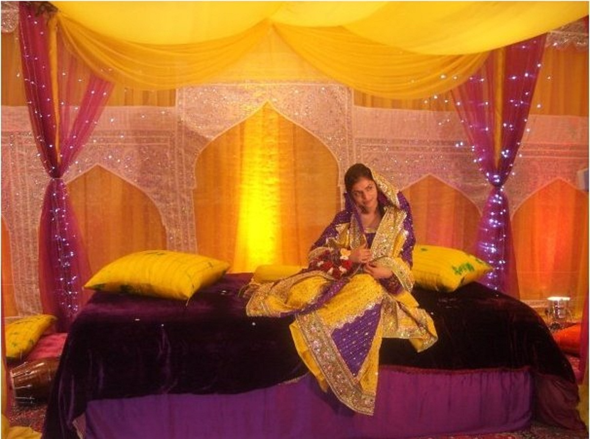 Simple Mehndi Decoration At Home : Wedding stages doli palki hire twinkle backdrop specialist
