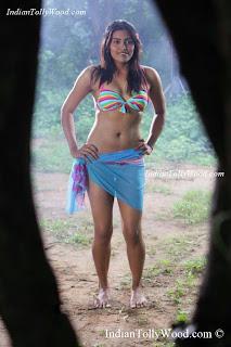 Sravanthi Hot Photos