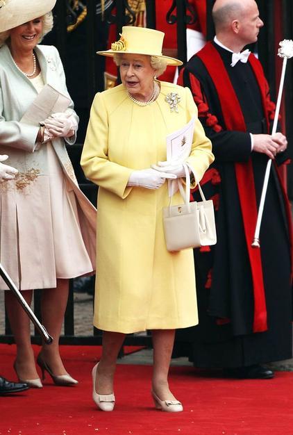 queen elizabeth 1. queen elizabeth 1 signature.