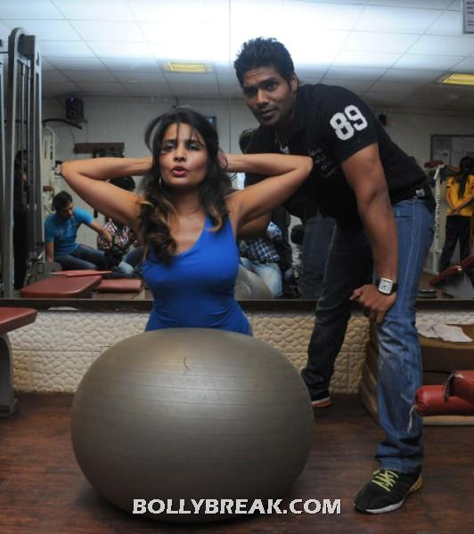 Rashaana Shah Workout - Rashaana Shah Hot Pics - Gym Workout