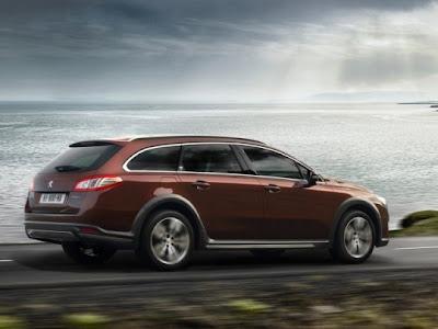 2012-Peugeot-508-RXH-Side