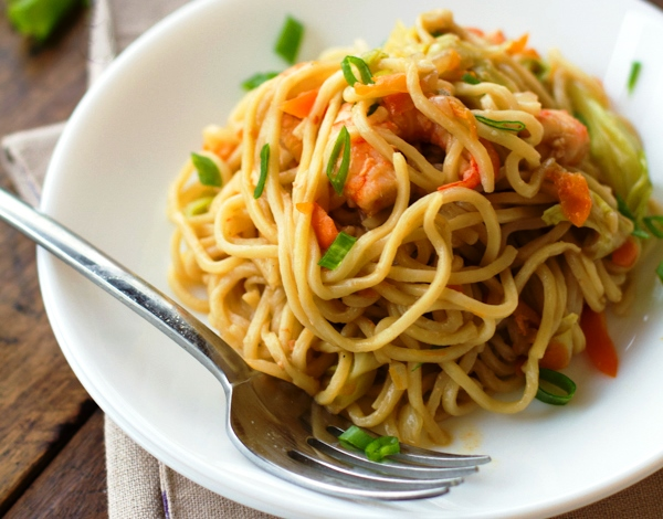 Stir Fried Noodles With Shrimp And Vegetables Recipe(Filipino Pancit ...