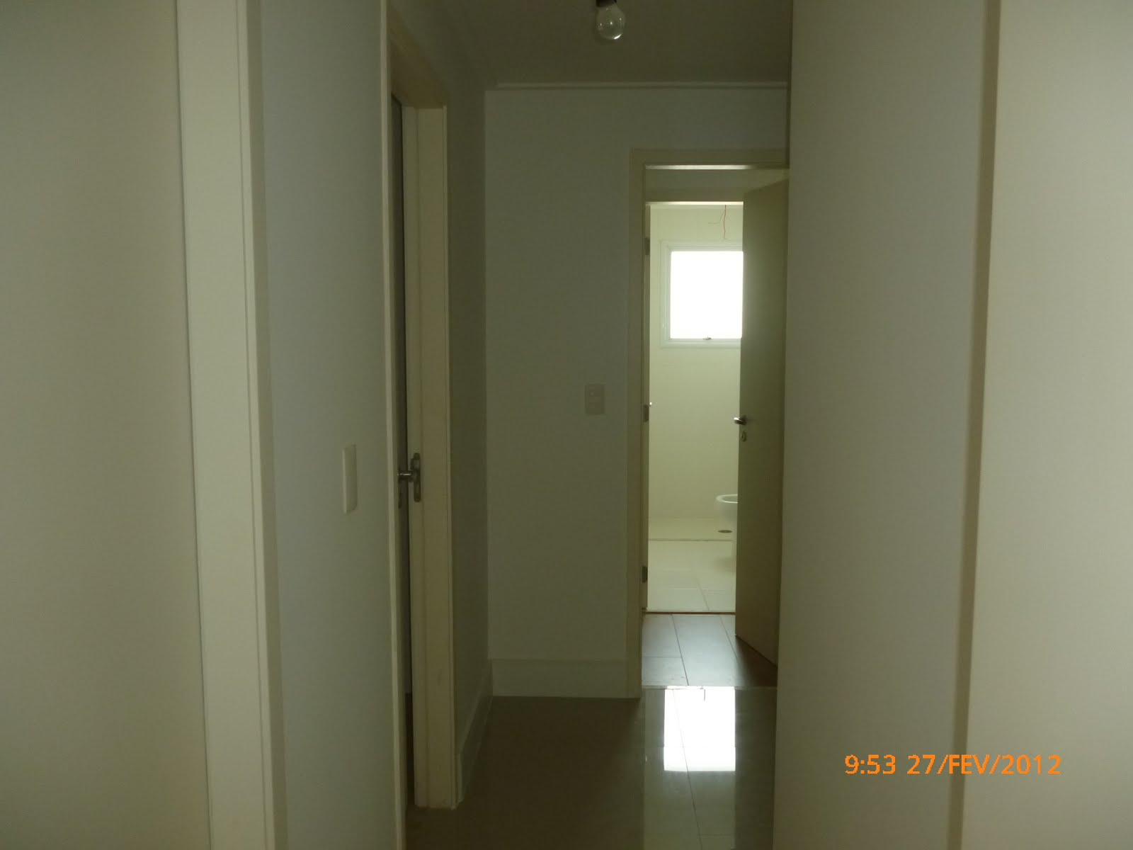 Pintura limpa Corredor de acesso aos quartos, tetos e  ~ Quarto Pintado Branco Gelo