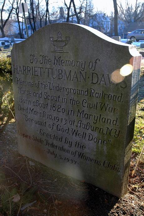J.W. Ocker: Famous Graves of the Famous Rosetta Lenoire Grave