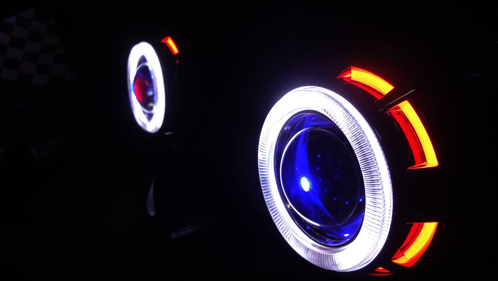 R15 V2 Modified With Projector Lights Devil Eyes | Yamaha R1...