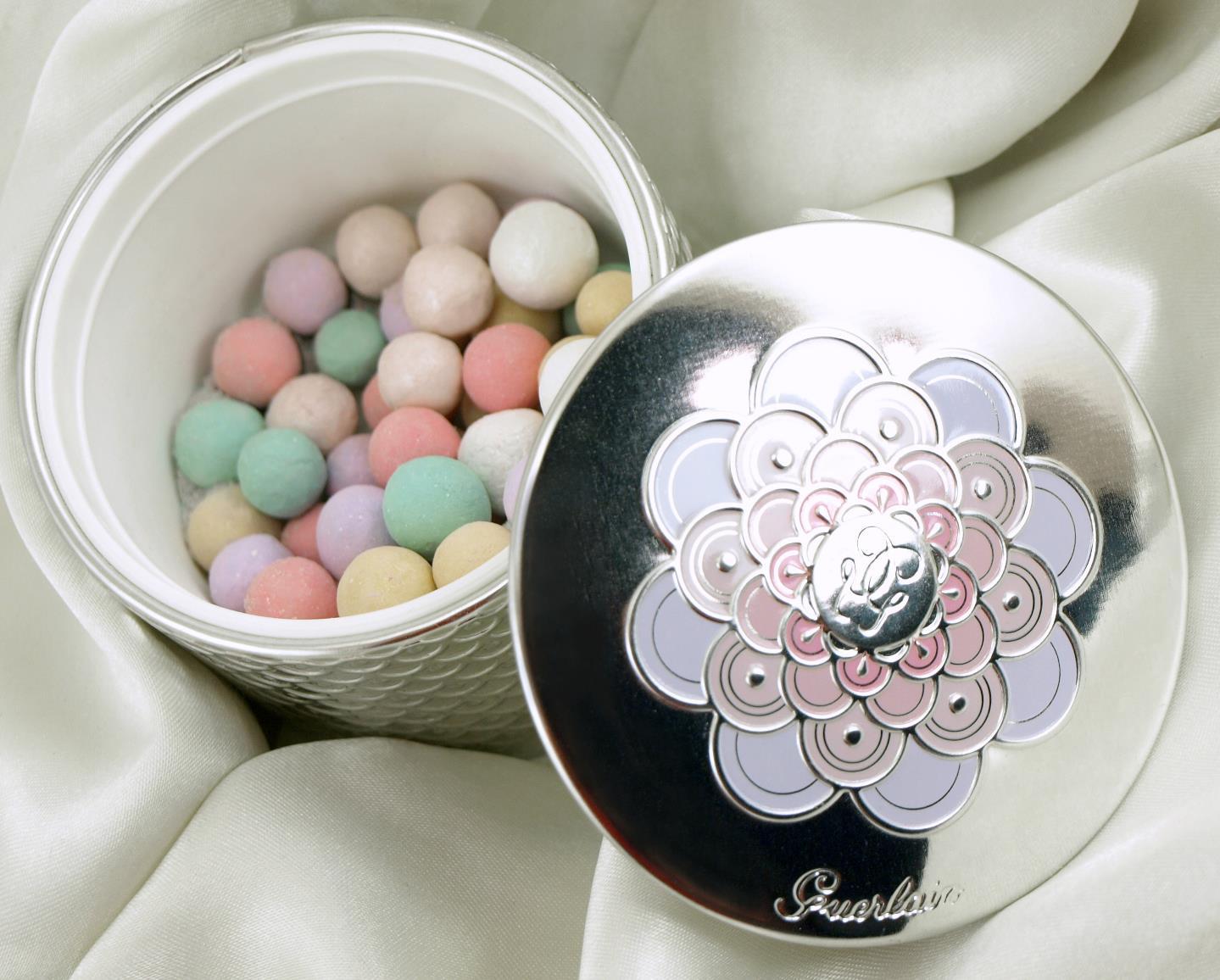 be butterfly guerlain meteorites perles de poudre. Black Bedroom Furniture Sets. Home Design Ideas