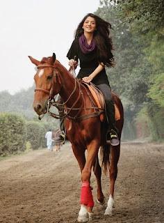 Mawra Hocane horse ridding image
