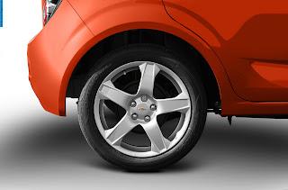 chevrolet sonic car 2012 tyres/wheels - صور اطارات سيارة شيفروليه سونيك 2012