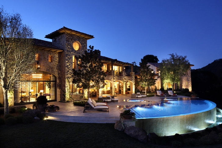 A fairy tale home luxury villa del lago california for Luxury houses in california