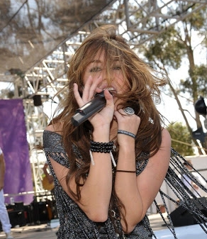Veja Fotos De Miley Cyrus Nua Naked Nude Pelada