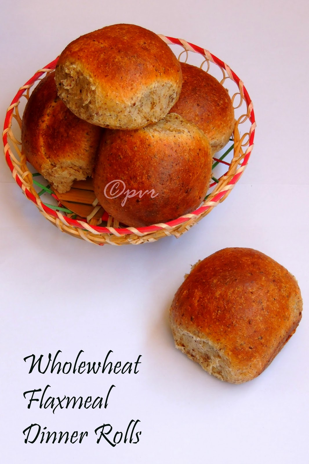 Wholewheat Flaxmeal Dinner Rolls