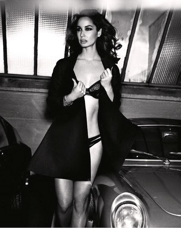 Berenice Marlohe in lingerie, Black and white image