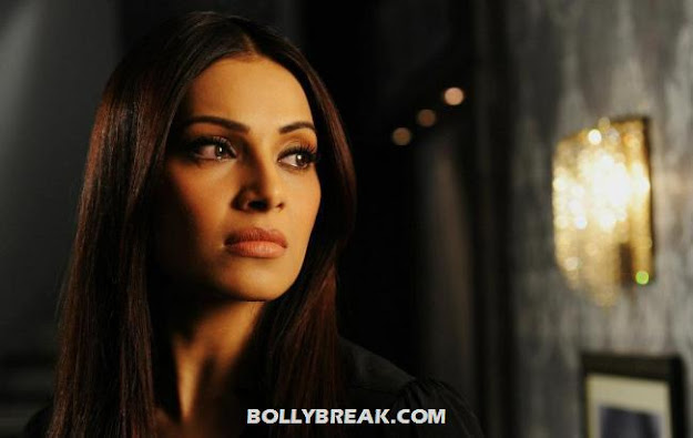 Bipasha Basu Raaz 3 - (6) - Raaz 3 Stills - Bipasha Basu, Eisha Gupta