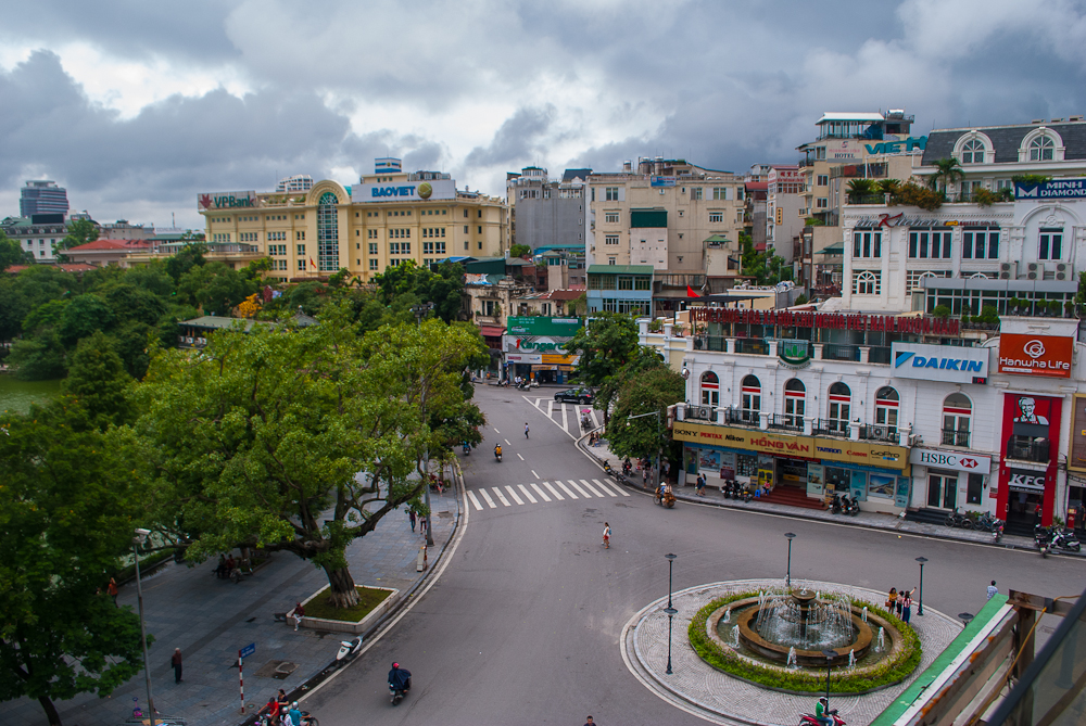 image of hanoi from above