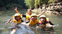 Keseruan Saat Body Rafting Di Green Canyon