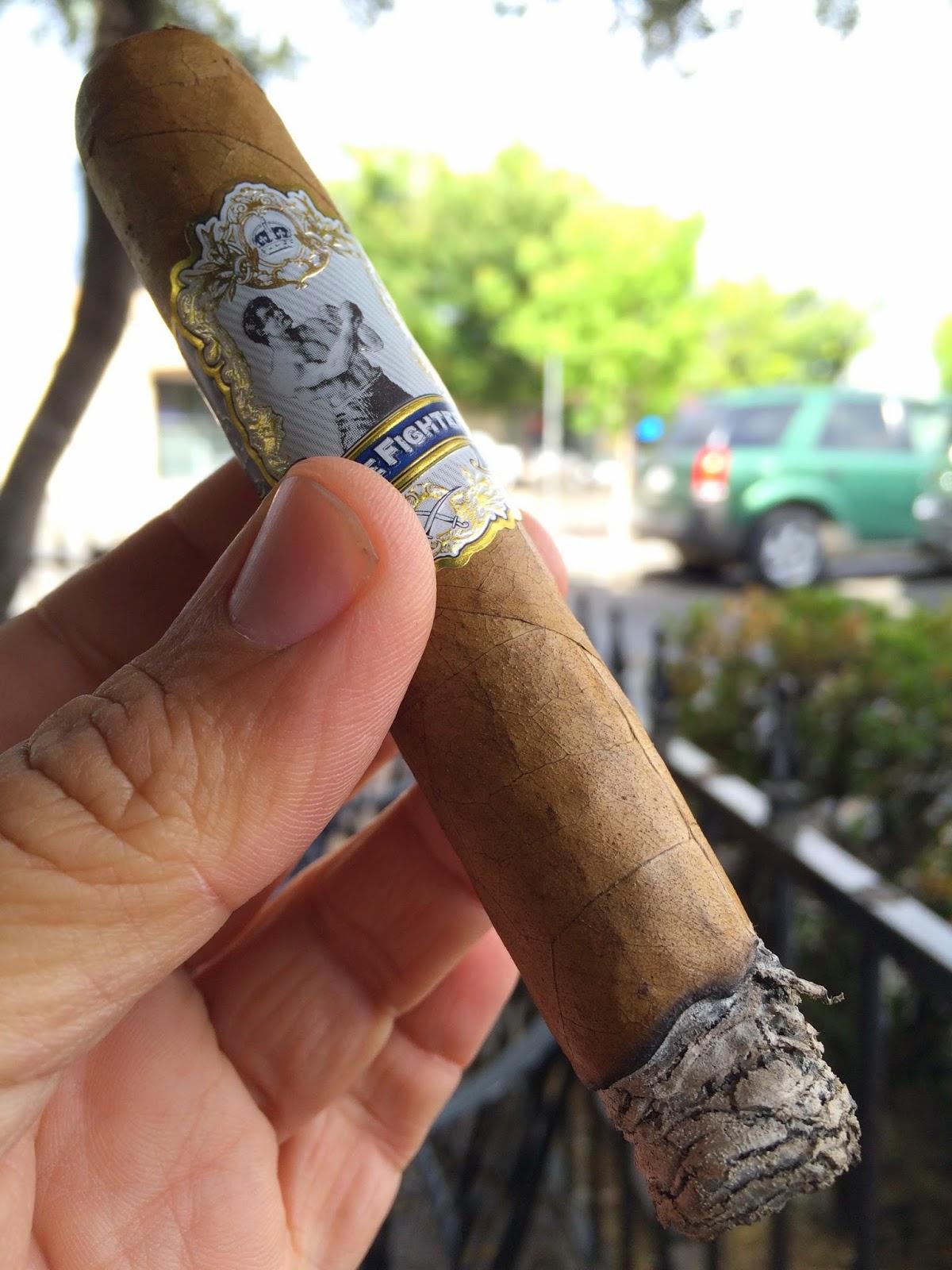 Gurkha Prizefighter robusto cigar 2