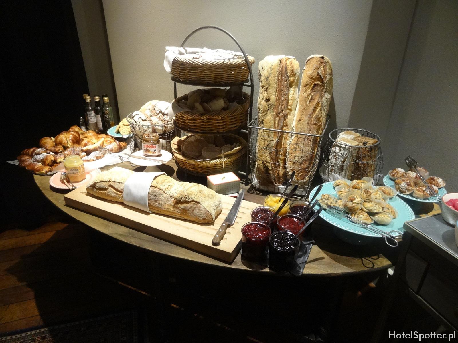 Radisson Blu Strand Hotel, Stockholm - sniadanie pieczywo