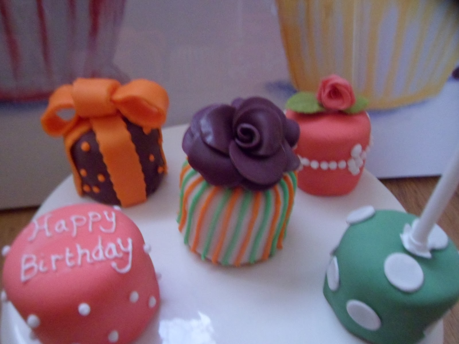 Hannahs Buns Blog Mini Birthday Cakes