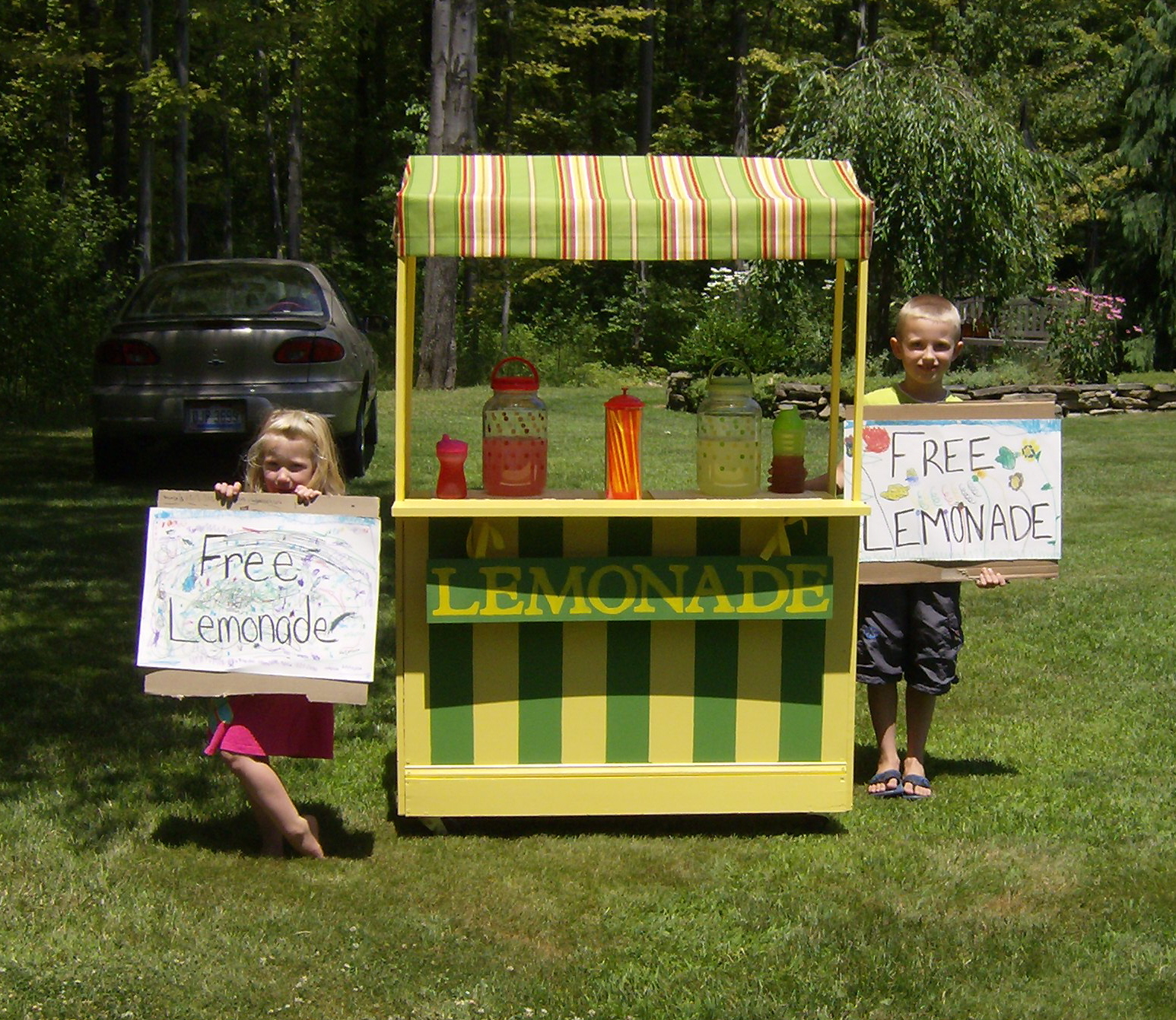 The creative side of me we built a lemonade stand for How to build a lemonade stand on wheels