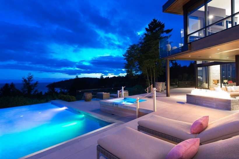 Terrace and swimming pool in Elegant modern house in west Vancouver, Canada