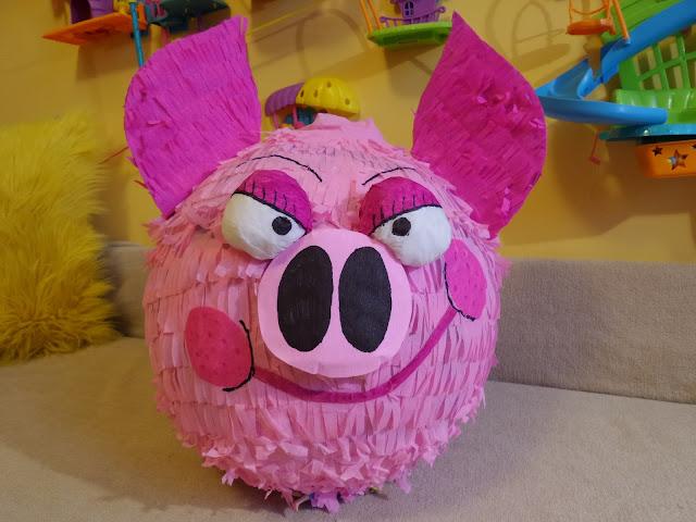 Piniata świnka (pinata, piniaty)