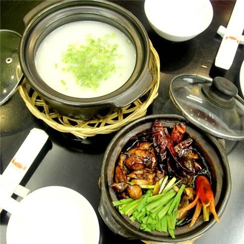 Du lịch Singapore và nếm thử món cháo ếch hấp dẫn du khách