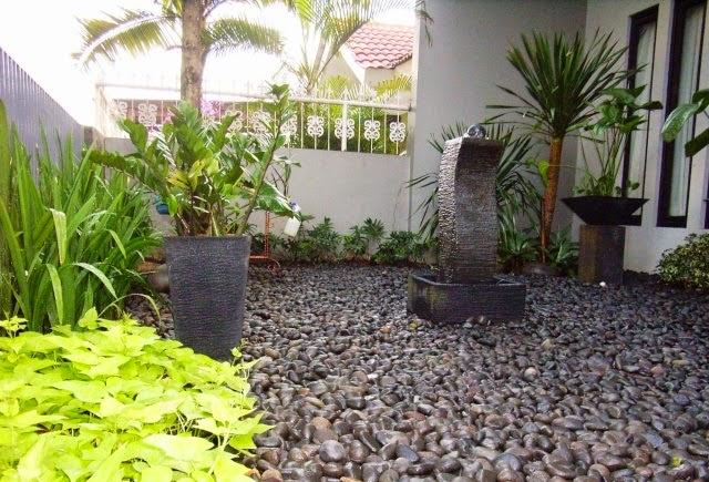 desain taman kering di depan rumah