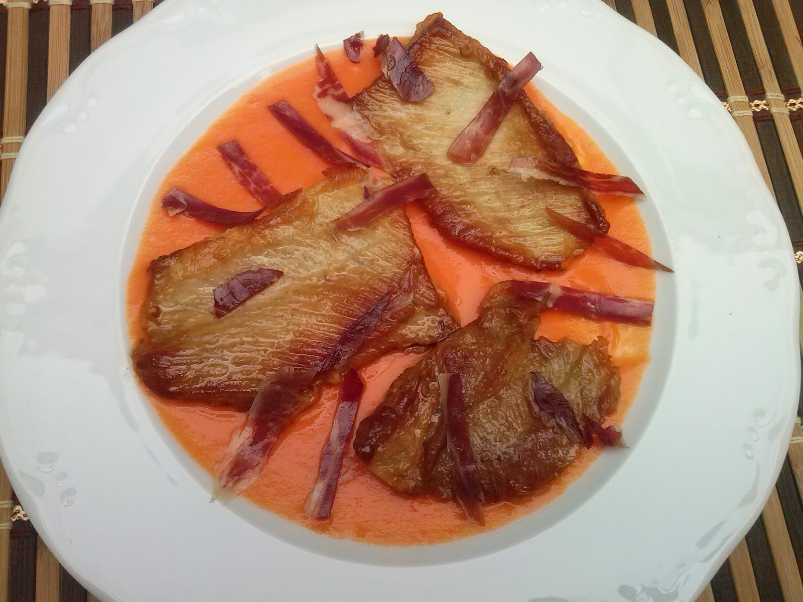 La cocina de sole secreto ib rico con jam n y salmorejo - Platos con jamon iberico ...