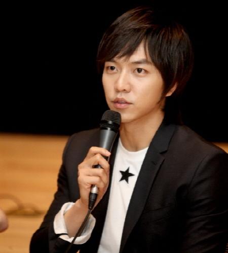 Lee Seung Gi Ingin Mencoba Karakter Antagonis