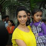 Mallika Sherawat Visits Cancer Patients Aid Ociation.