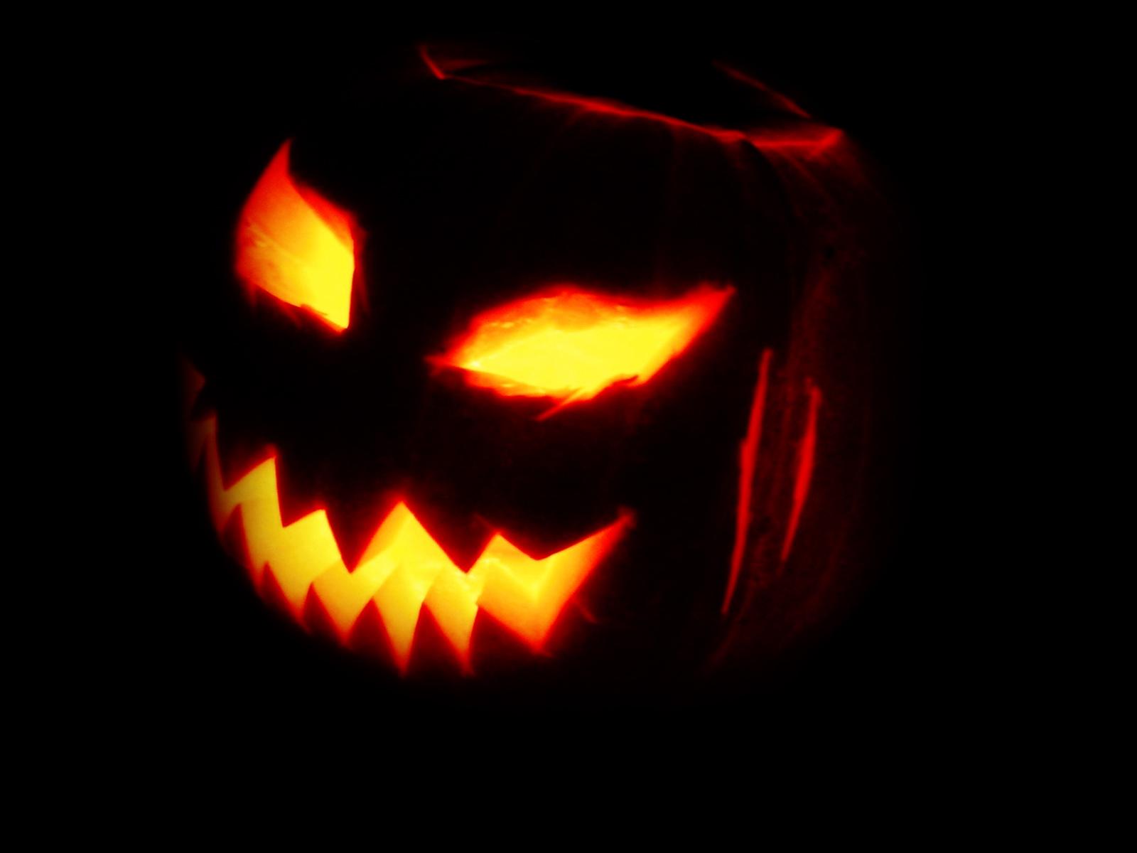 http://3.bp.blogspot.com/-4uHH43G7oYw/Tp7qMqB8qCI/AAAAAAAADk4/RSG9Fv_0974/s1600/Haloween_Pumpking_Lights_Wallpaper_Vvallpaper.Net.jpg