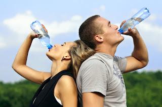 tips minum air bulan puasa, minum 3 liter air, puasa shaklee