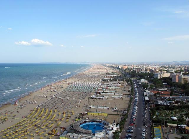 Vista area della costa di Rimini