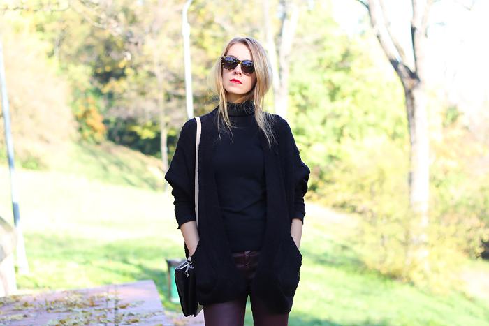 oversized cardigan, burgundy jeans, Illesteva tortoise sunglasses, outfit, fashion