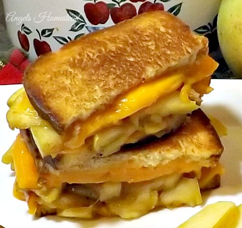 Featured Recipe | Apple Pie Grilled Cheese Sandwich from Angels Homestead #recipe #SecretRecipeClub #apple #grilledcheese #sandwich