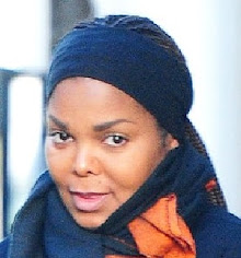 FIRST-EVER PICS OF PREGNANT JANET!