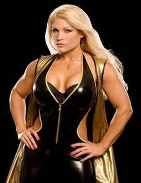 WWE Divas Beth Phoenix