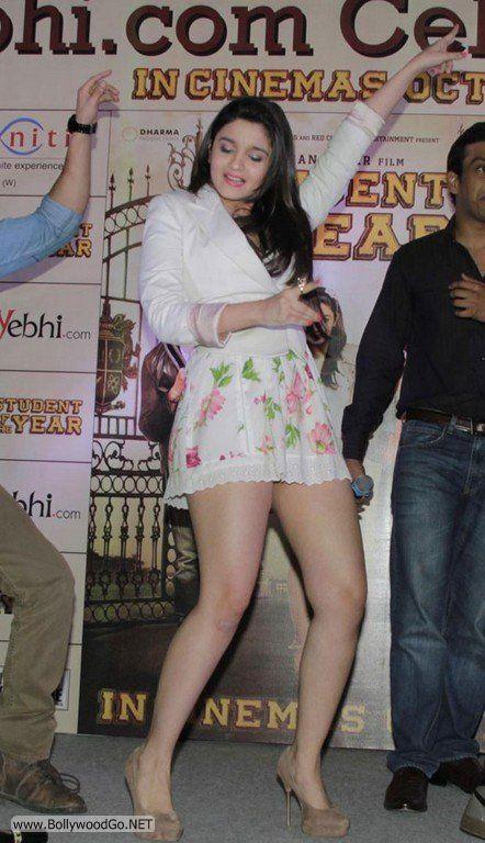 Aliya+Bhatt+-+BollywoodGo+(1)