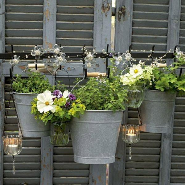 huerto en macetas baldes- kitchen-garden