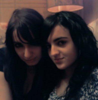Simplemente mi amiga. . . mi hermana ♥