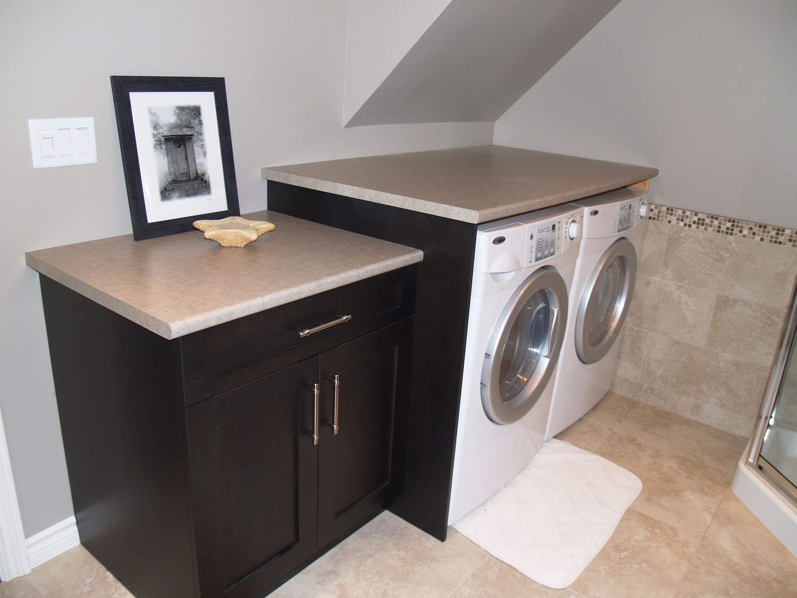 FIVE STAR PHOTO GALLERY: Laundry Room with Folding Station