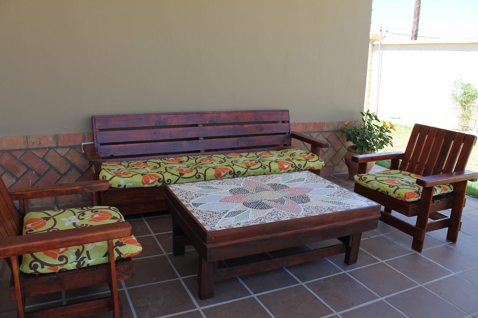 Artesanias labea muebles de exterior 100 reciclados - Trabajar con palets ...