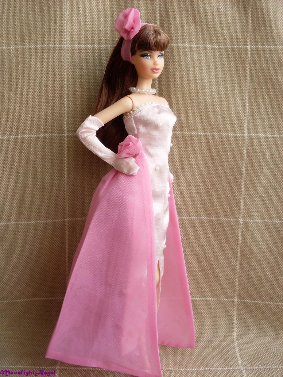 Dolls Crazy House: La vuelta al mundo en 60 vestidos (II)