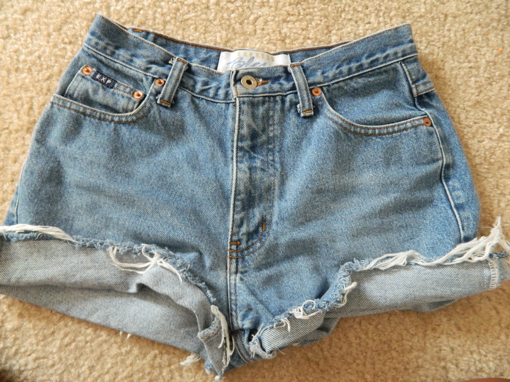 How to cut high waisted pants into shorts – Your new jeans photo blog